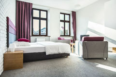 Εσωτερικό δωματίου ξενοδοχείου ομορφιάς Στοκ φωτογραφία με δικαίωμα ελεύθερης χρήσης