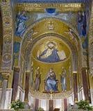 εσωτερικό 2 εκκλησιών στοκ φωτογραφίες