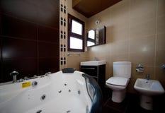 Εσωτερικό Batroom με το jaquzi Στοκ Εικόνες