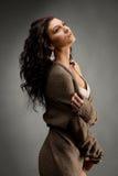 εσώρουχο σακακιών brunette μάλ&lambd Στοκ Φωτογραφίες