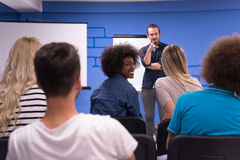Εταιρική έννοια επιχειρησιακής συνεδρίασης σεμιναρίου ομιλητών Στοκ Εικόνα