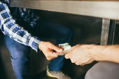 Εταιρική επιχειρησιακή κατασκοπεία δωροδοκίας δωροδοκιών Στοκ Φωτογραφίες