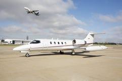 εταιρικό αεριωθούμενο αεροπλάνο Στοκ φωτογραφίες με δικαίωμα ελεύθερης χρήσης