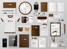 Εταιρικό μαρκάροντας πρότυπο ταυτότητας καφετί σχέδιο Σύγχρονο ρεαλιστικό πρότυπο χαρτικών Χαρτικά επιχειρησιακού ύφους και ελεύθερη απεικόνιση δικαιώματος