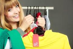 Ετικέτα έκπτωσης εκμετάλλευσης γυναικών Πώληση και λιανική πώληση Στοκ φωτογραφίες με δικαίωμα ελεύθερης χρήσης