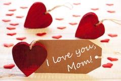 Ετικέτα με πολλούς κόκκινη καρδιά, κείμενο σ' αγαπώ Mom στοκ εικόνες