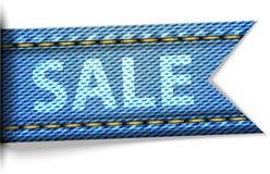 Ετικέτα τζιν με την πώληση λέξης για τις αγορές Στοκ φωτογραφία με δικαίωμα ελεύθερης χρήσης