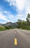 Ευθεία εθνική οδός στο εθνικό πάρκο roi SAM βουνών yod, Στοκ Εικόνα