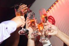 Ευθυμίες! Εορτασμός ανθρώπων Στοκ Εικόνες