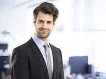 λευκές νεολαίες πορτρέτου ανασκόπησης απομονωμένες επιχειρηματίας Στοκ Φωτογραφία