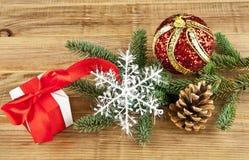 λευκό απομόνωσης ντεκόρ Χριστουγέννων Στοκ εικόνες με δικαίωμα ελεύθερης χρήσης