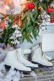 λευκό απομόνωσης δώρων Χριστουγέννων Στοκ εικόνες με δικαίωμα ελεύθερης χρήσης