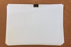 λευκό εγγράφου συνδετήρων Στοκ Εικόνα