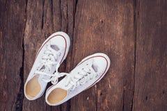 λευκό πάνινων παπουτσιών στοκ εικόνες με δικαίωμα ελεύθερης χρήσης