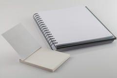 λευκό σημειώσεων βιβλίω& Στοκ εικόνες με δικαίωμα ελεύθερης χρήσης