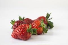 λευκό φραουλών ανασκόπη&sig Στοκ εικόνα με δικαίωμα ελεύθερης χρήσης