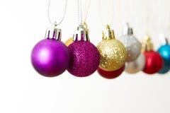 λευκό Χριστουγέννων σφα&i στοκ εικόνα με δικαίωμα ελεύθερης χρήσης