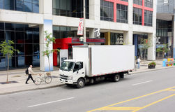 λευκό truck παράδοσης Στοκ εικόνα με δικαίωμα ελεύθερης χρήσης