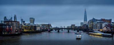 Ευρέως eyed στο Λονδίνο με ένα shard στο μάτι στοκ εικόνες με δικαίωμα ελεύθερης χρήσης