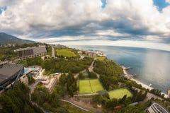 Ευρεία άποψη γωνίας στη θάλασσα και την παραλία Στοκ φωτογραφία με δικαίωμα ελεύθερης χρήσης