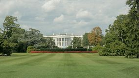 Ευρεία άποψη του νότιου χορτοτάπητα του Λευκού Οίκου στην Ουάσιγκτον, στοκ φωτογραφίες