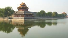 Ευρεία άποψη του πύργου τάφρων και γωνιών της απαγορευμένης πόλης, Πεκίνο απόθεμα βίντεο
