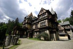 Ευρεία γωνία της Ρουμανίας μουσείων του Castle Pelisor Στοκ εικόνα με δικαίωμα ελεύθερης χρήσης