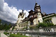 Ευρεία γωνία της Ρουμανίας παλατιών Peles Στοκ Φωτογραφίες