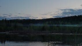 Ευρεία προσιτότητα του ποταμού στη βόρεια άσπρη νύχτα φιλμ μικρού μήκους
