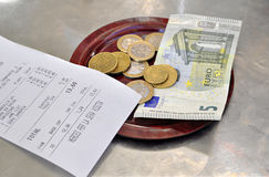 Ευρο- έλεγχοι και μετρητά Στοκ Εικόνα