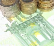 ευρο- ευρωπαϊκά νομίσματος ανασκόπησης ζωηρόχρωμα Στοκ φωτογραφία με δικαίωμα ελεύθερης χρήσης
