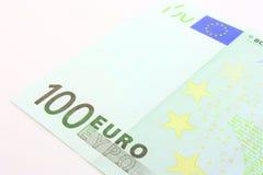 ευρο- ευρώ πέντε εστίαση εκατό τραπεζών σχοινί σημειώσεων χρημάτων Στοκ εικόνα με δικαίωμα ελεύθερης χρήσης