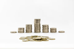 2 ευρο- νομίσματα συσσώρευσαν και διασκόρπισαν μερικά από 1 ευρώ Στοκ Εικόνες