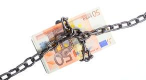 Ευρο- νόμισμα με την αλυσίδα για την ασφάλεια και την επένδυση Στοκ εικόνα με δικαίωμα ελεύθερης χρήσης