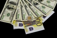 Ευρο- νόμισμα με τις σημειώσεις και τα τραπεζογραμμάτια δολαρίων στοκ εικόνες με δικαίωμα ελεύθερης χρήσης