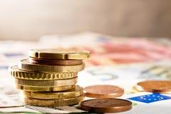 Ευρο- νόμισμα στο γραφείο Στοκ φωτογραφία με δικαίωμα ελεύθερης χρήσης