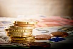 Ευρο- νόμισμα στο γραφείο Στοκ εικόνες με δικαίωμα ελεύθερης χρήσης