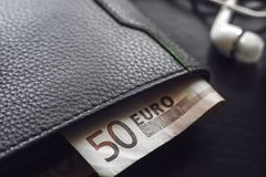 ευρο- πορτοφόλι λογαρι& Στοκ εικόνες με δικαίωμα ελεύθερης χρήσης