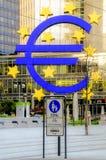 Ευρο- σημάδι στη Φρανκφούρτη Αμ Μάιν Γερμανία Στοκ Φωτογραφίες