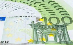 Ευρο- τραπεζογραμμάτια της κινηματογράφησης σε πρώτο πλάνο 100 Στοκ Εικόνες