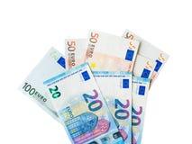 Ευρο- τραπεζογραμμάτια χρημάτων που απομονώνονται στο λευκό Τοπ κινηματογράφηση σε πρώτο πλάνο άποψης στοκ εικόνες
