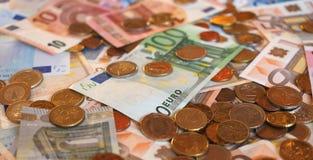 Ευρο- χαρτονομίσματα της ΕΥΡ και νομίσματα, ΕΕ της Ευρωπαϊκής Ένωσης Στοκ εικόνα με δικαίωμα ελεύθερης χρήσης