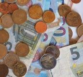 Ευρο- χαρτονομίσματα της ΕΥΡ και νομίσματα, ΕΕ της Ευρωπαϊκής Ένωσης Στοκ φωτογραφία με δικαίωμα ελεύθερης χρήσης