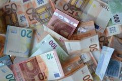 Ευρο- χρήματα baknotes 20 50 100 500 ευρο- ευρωπαϊκά νομίσματος 5000 ρούβλια προτύπων χρημάτων λογαριασμών ανασκόπησης στοκ εικόνα με δικαίωμα ελεύθερης χρήσης