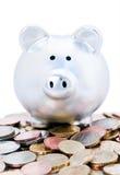 ευρο- piggy νομισμάτων τραπεζώ& Στοκ εικόνες με δικαίωμα ελεύθερης χρήσης