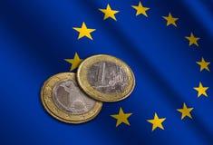 Ευρωπαϊκά χρήματα στη σημαία στοκ φωτογραφία