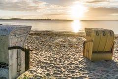 Ευρωπαϊκές ψάθινες έδρες παραλιών Στοκ Φωτογραφίες
