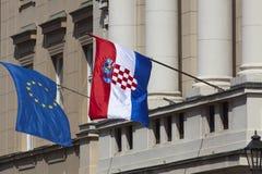 Ευρωπαϊκή Ένωση και κροατικές σημαίες Στοκ Φωτογραφία