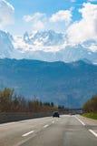 Ευρωπαϊκή εθνική οδός και άποψη σχετικά με τα βουνά στην Αυστρία Στοκ φωτογραφία με δικαίωμα ελεύθερης χρήσης