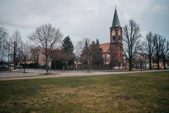 Ευρωπαϊκή εκκλησία στο εκλεκτής ποιότητας ύφος στοκ φωτογραφία με δικαίωμα ελεύθερης χρήσης